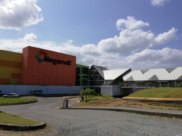 Local comercial Panama>Panama>Tocumen - Venta:250.000 US Dollar - codigo: 19-31