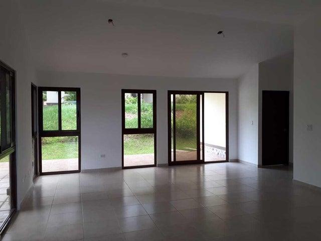 Casa Panama>Panama Oeste>Capira - Venta:218.500 US Dollar - codigo: 19-53