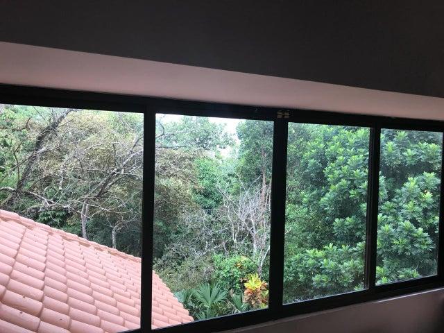 Casa Panama>Panama>Las Cumbres - Venta:339.000 US Dollar - codigo: 19-438
