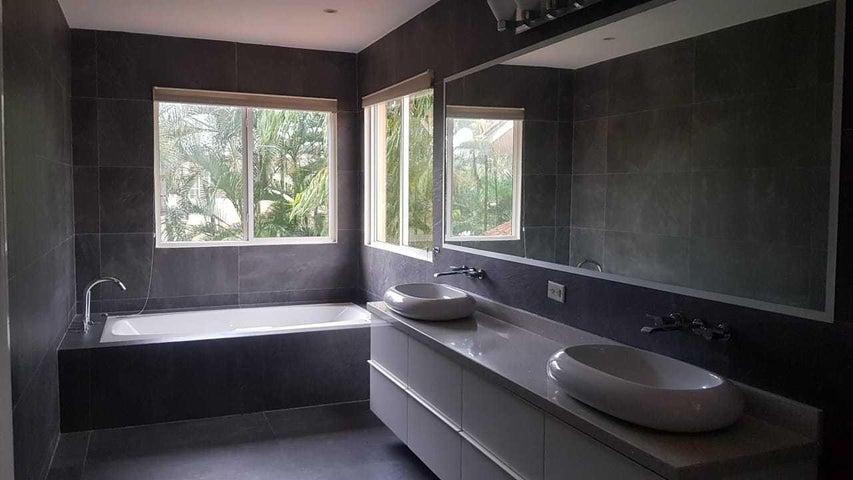 Casa Panama>Panama>Costa del Este - Venta:935.000 US Dollar - codigo: 19-521