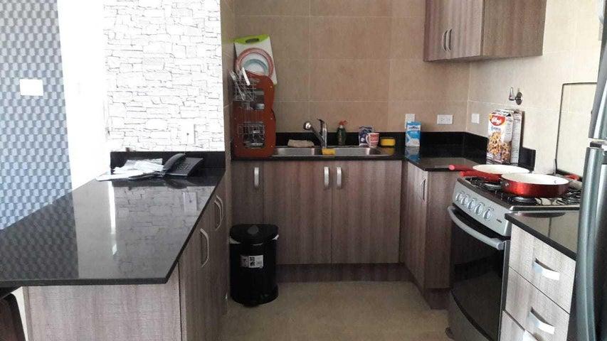 Apartamento Panama>Panama>Obarrio - Venta:215.000 US Dollar - codigo: 19-816