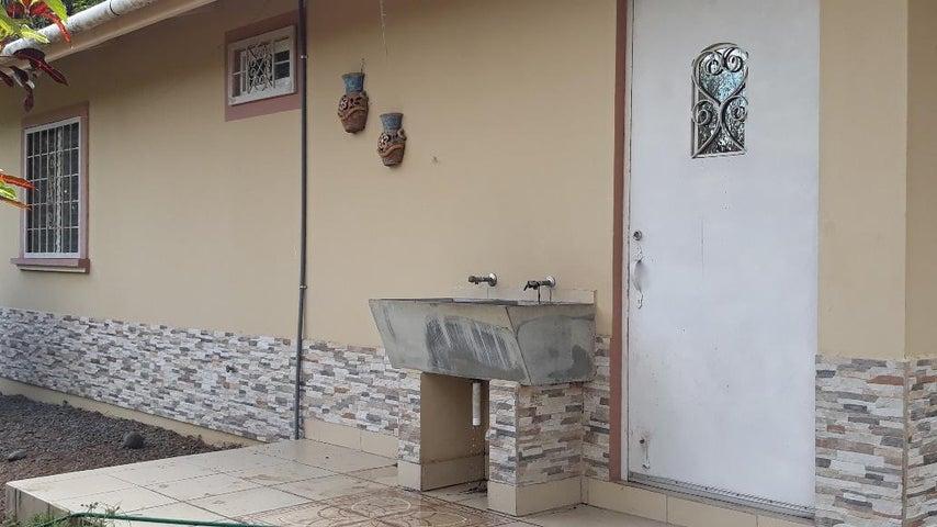 Casa Chiriqui>David>David - Venta:350.000 US Dollar - codigo: 19-1769