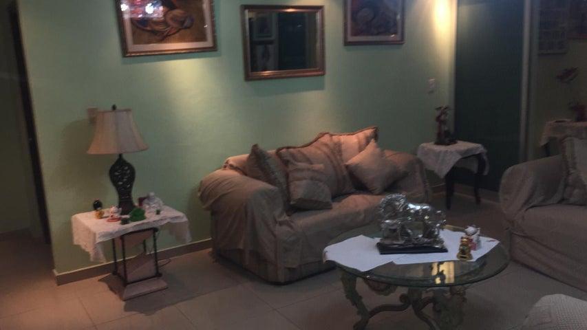 Casa Panama>Panama>Las Cumbres - Venta:300.000 US Dollar - codigo: 19-1934