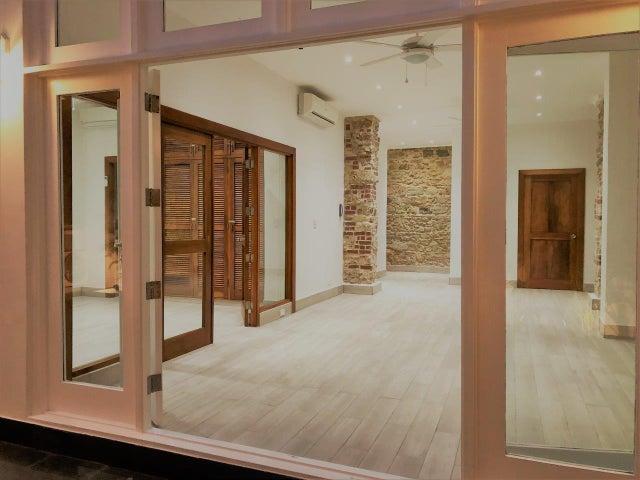 Apartamento Panama>Panama>Casco Antiguo - Alquiler:1.300 US Dollar - codigo: 19-3554