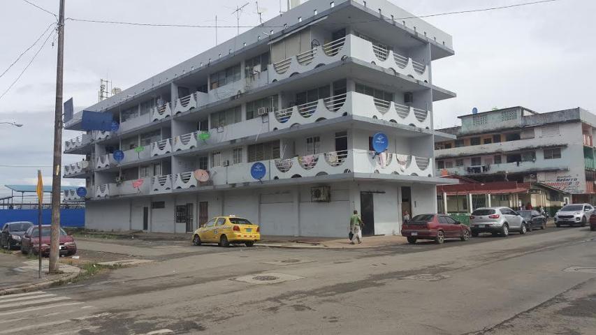 Edificio Colon>Colón>Colon - Venta:380.000 US Dollar - codigo: 19-3743