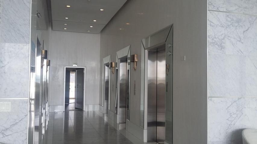 Apartamento Panama>Panama>Avenida Balboa - Venta:350.000 US Dollar - codigo: 19-3957