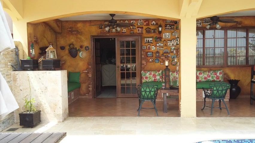 Rah 19 4560 Casa En Ricardo J Alfaro 470 000