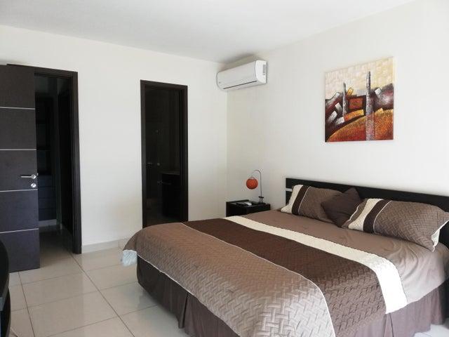 Apartamento Panama>Panama>Avenida Balboa - Alquiler:1.500 US Dollar - codigo: 19-4702