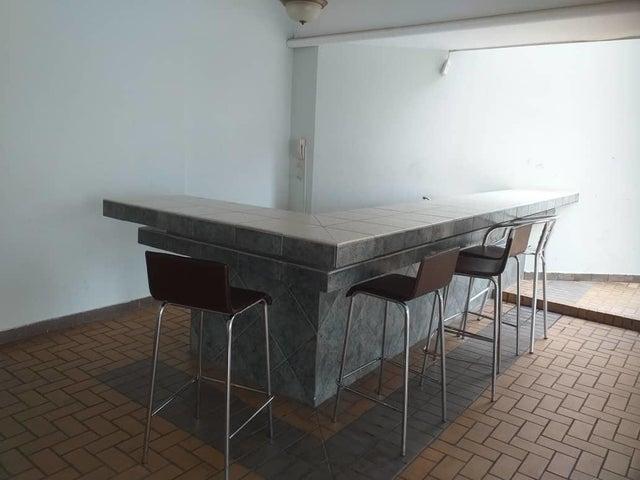 Apartamento Panama>Panama>Obarrio - Venta:215.000 US Dollar - codigo: 19-4824