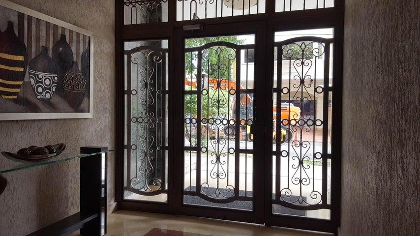 Apartamento Panama>Panama>El Cangrejo - Venta:220.000 US Dollar - codigo: 19-5248