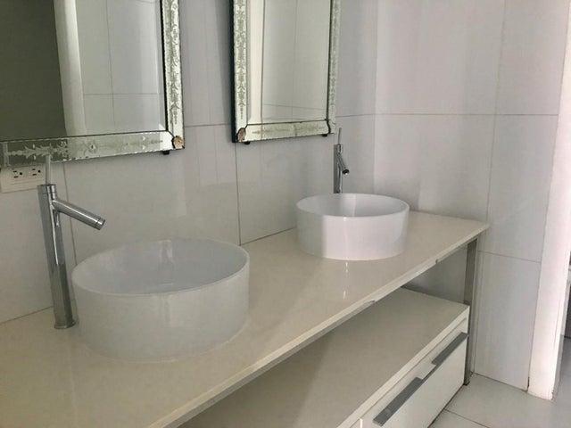 Apartamento Panama>Panama>Avenida Balboa - Alquiler:2.500 US Dollar - codigo: 19-5264