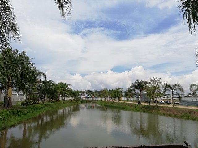 Casa Panama>Arraijan>Vista Alegre - Venta:264.049 US Dollar - codigo: 19-5306