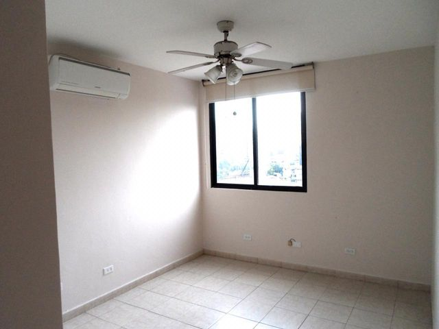 Apartamento Panama>Panama>Obarrio - Alquiler:1.300 US Dollar - codigo: 19-5380