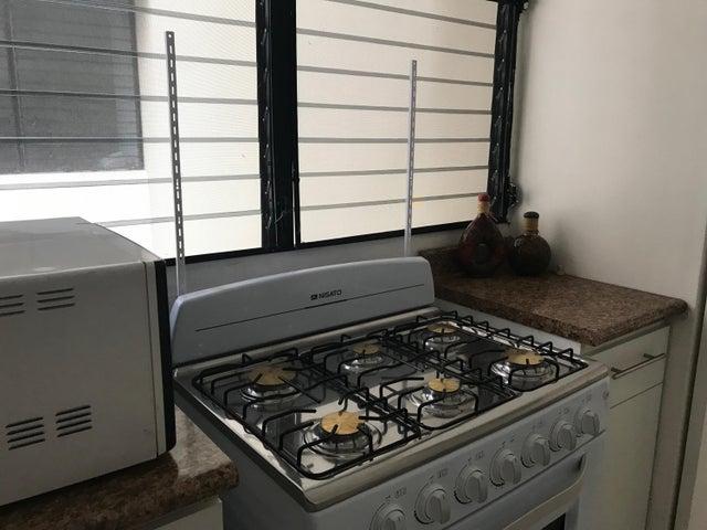 Apartamento Panama>Panama>12 de Octubre - Alquiler:800 US Dollar - codigo: 19-5509