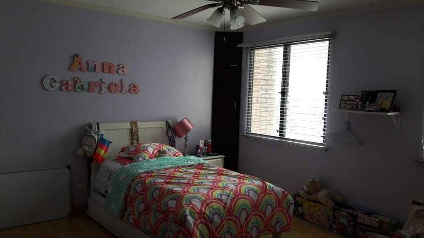 Apartamento Panama>Panama>San Francisco - Venta:260.000 US Dollar - codigo: 19-5567