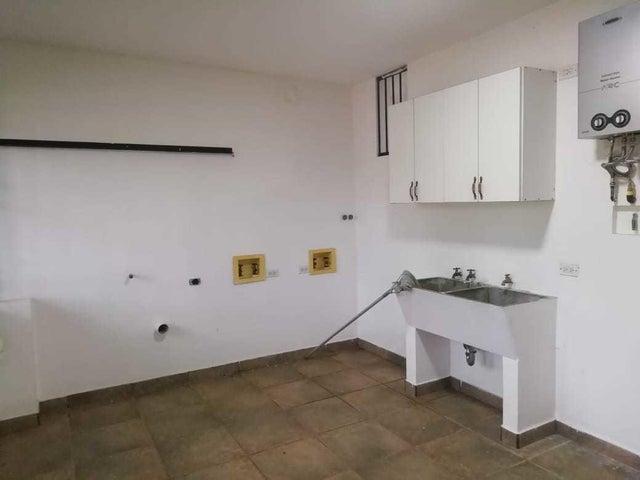 Casa Panama>Panama>Las Cumbres - Venta:390.000 US Dollar - codigo: 19-5989