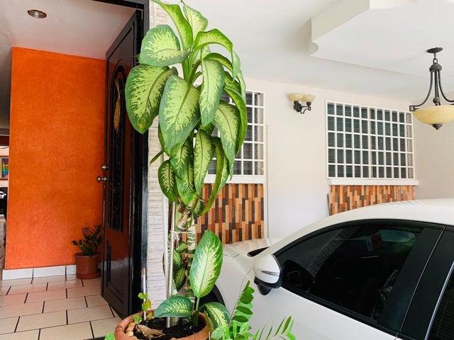 Casa Panama>Panama>Altos de Santa Maria - Venta:229.000 US Dollar - codigo: 19-6275