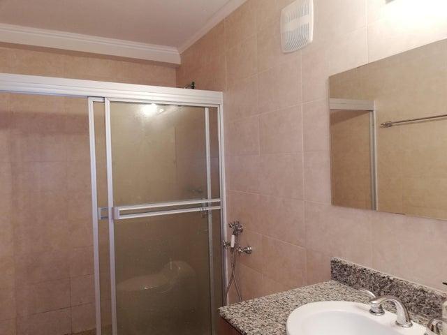 Apartamento Panama>Panama>El Cangrejo - Alquiler:1.700 US Dollar - codigo: 19-6328