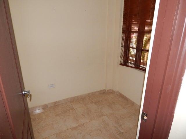 Casa Panama>Panama>Las Cumbres - Venta:195.000 US Dollar - codigo: 19-6247