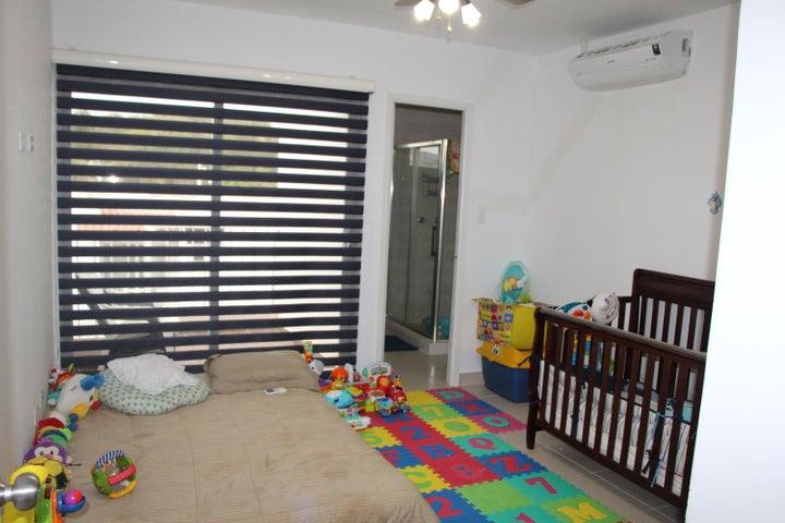 Casa Panama>Panama>Brisas Del Golf - Venta:265.000 US Dollar - codigo: 19-6442