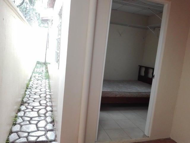 Casa Panama>San Miguelito>Brisas Del Golf - Venta:210.000 US Dollar - codigo: 19-6617