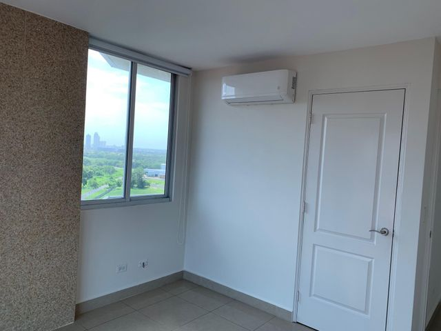 Apartamento Panama>Panama>Chanis - Alquiler:1.250 US Dollar - codigo: 19-6747