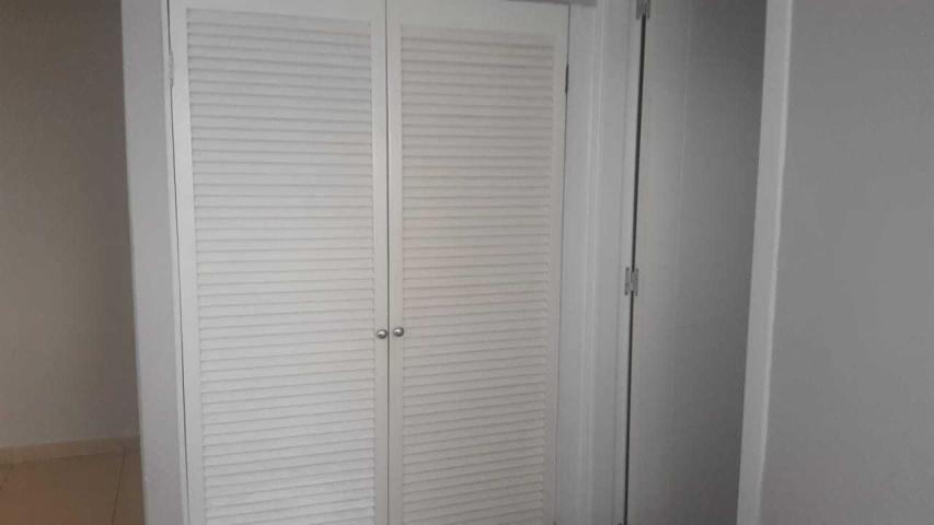 Apartamento Panama>Panama>Avenida Balboa - Alquiler:1.650 US Dollar - codigo: 19-6972