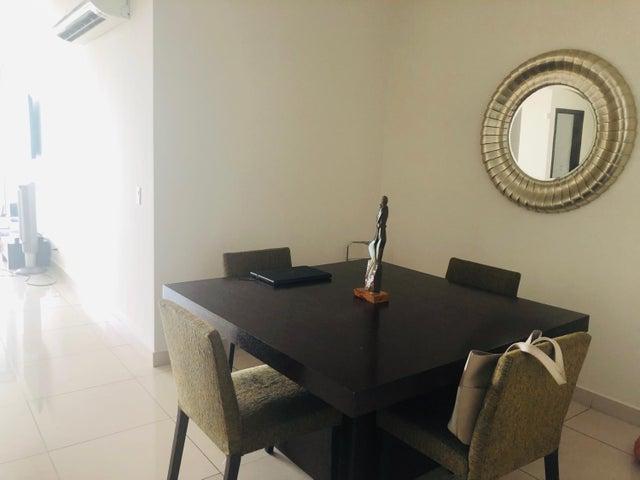 Apartamento Panama>Panama>Avenida Balboa - Venta:450.000 US Dollar - codigo: 19-7240
