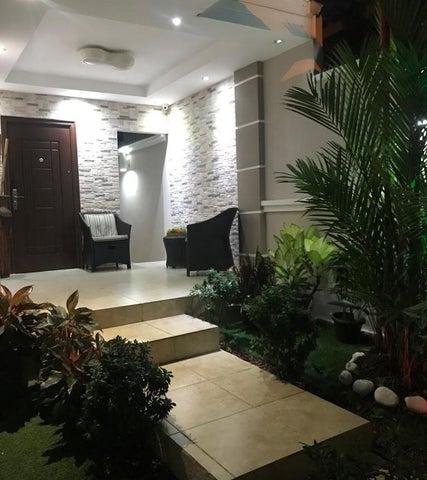 Casa Panama>Panama>Brisas Del Golf - Venta:235.000 US Dollar - codigo: 19-7342