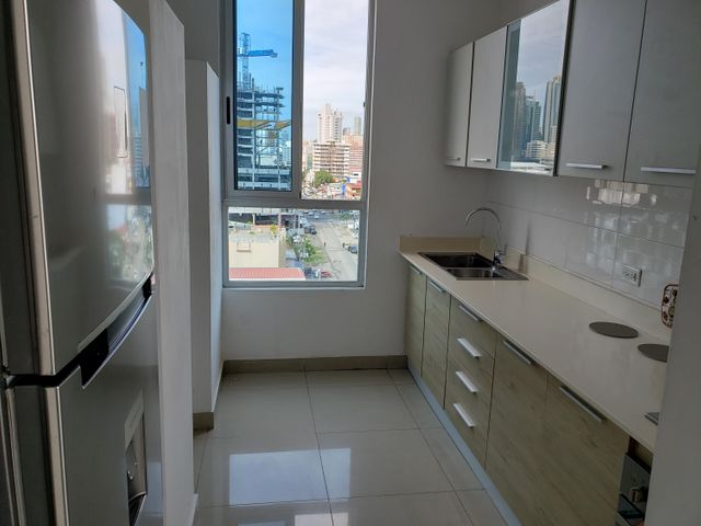 Apartamento Panama>Panama>El Carmen - Venta:190.000 US Dollar - codigo: 18-8298