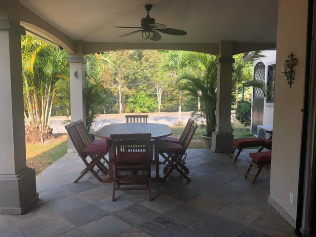 Casa Panama>Panama>Albrook - Alquiler:1.800 US Dollar - codigo: 19-8526