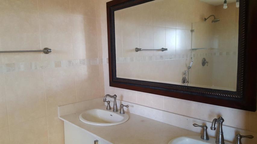 Apartamento Panama>Panama>Costa del Este - Venta:390.000 US Dollar - codigo: 19-9030