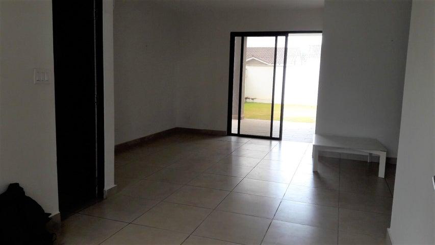 Casa Panama>Panama>Brisas Del Golf - Alquiler:1.450 US Dollar - codigo: 19-9120