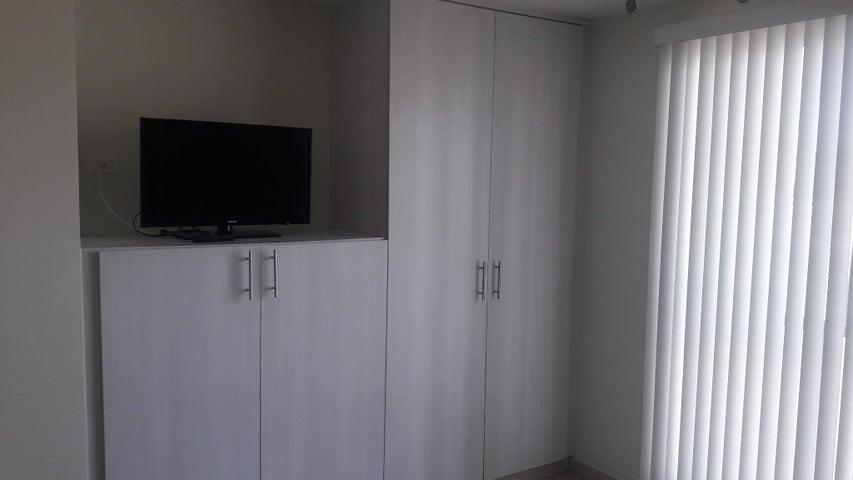Apartamento Panama>Panama>Versalles - Alquiler:800 US Dollar - codigo: 19-11221