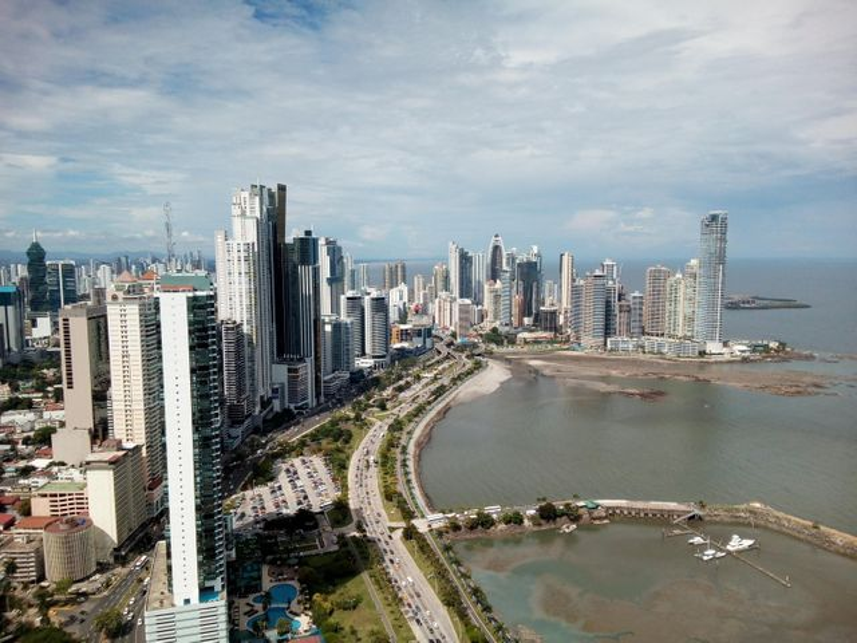 Apartamento Panama>Panama>Avenida Balboa - Alquiler:2.000 US Dollar - codigo: 19-11684