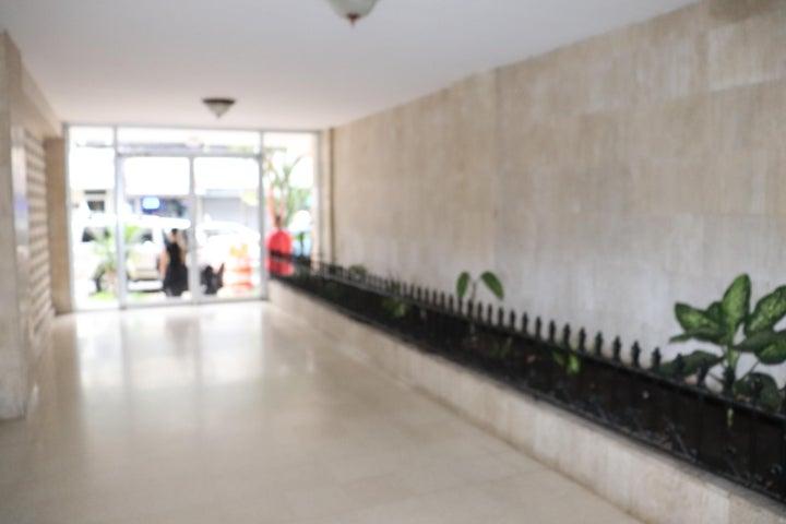 Apartamento Panama>Panama>El Cangrejo - Alquiler:900 US Dollar - codigo: 19-11699