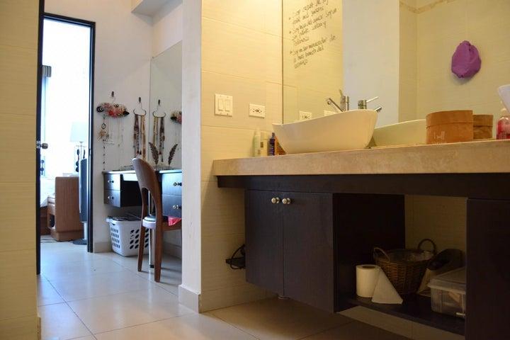 Apartamento Panama>Panama>Avenida Balboa - Alquiler:1.700 US Dollar - codigo: 19-11828
