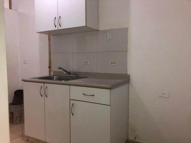 Apartamento Panama>Panama>Carrasquilla - Alquiler:700 US Dollar - codigo: 19-11807