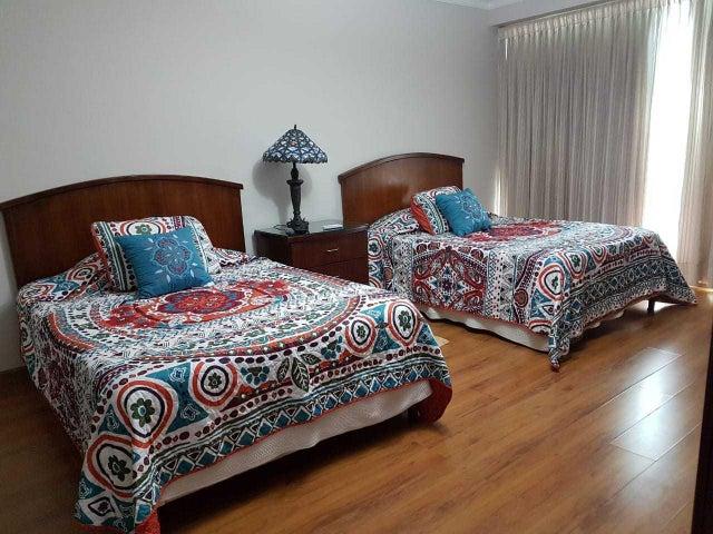 Apartamento Panama>Panama>Avenida Balboa - Alquiler:1.200 US Dollar - codigo: 19-12060
