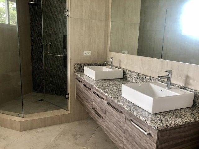 Apartamento Panama>Panama>Albrook - Venta:395.000 US Dollar - codigo: 20-193