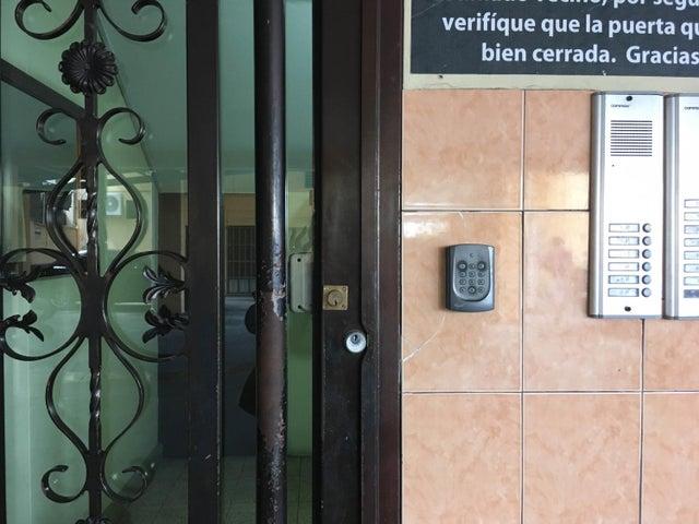Apartamento Panama>Panama>Carrasquilla - Venta:150.000 US Dollar - codigo: 20-556