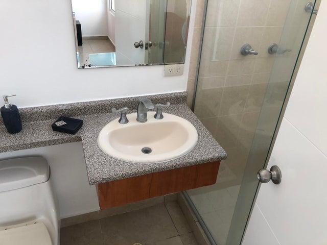 Apartamento Panama>Panama>San Francisco - Alquiler:1.600 US Dollar - codigo: 20-1555