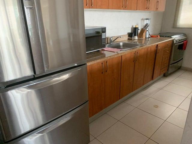 Apartamento Panama>Panama>San Francisco - Venta:215.000 US Dollar - codigo: 20-1902