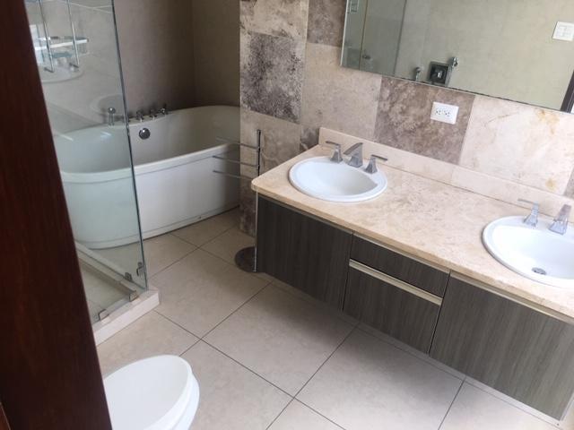 Apartamento Panama>Panama>Avenida Balboa - Alquiler:2.700 US Dollar - codigo: 20-2331