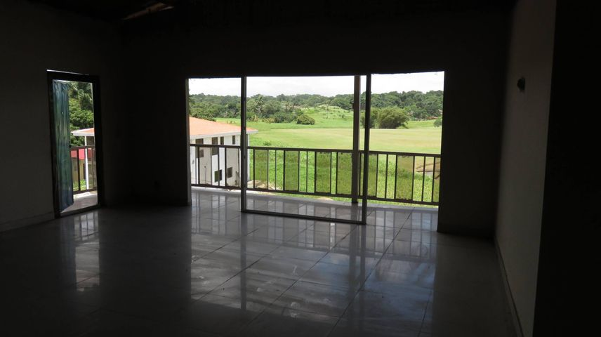 Edificio Colon>Colón>Davis - Venta:650.000 US Dollar - codigo: 20-3053