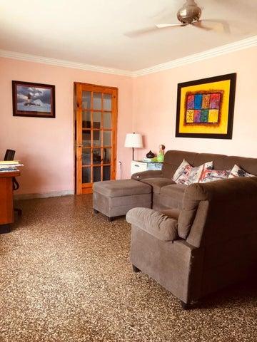 Casa Panama>Panama>Curundu - Venta:350.000 US Dollar - codigo: 20-4710