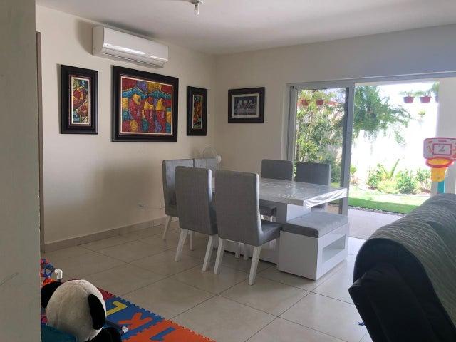 Casa Panama>Panama>Versalles - Alquiler:1.750 US Dollar - codigo: 20-6194