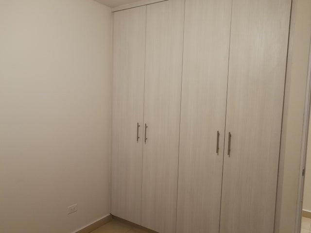 Apartamento Panama>Panama>Versalles - Venta:145.000 US Dollar - codigo: 20-8105