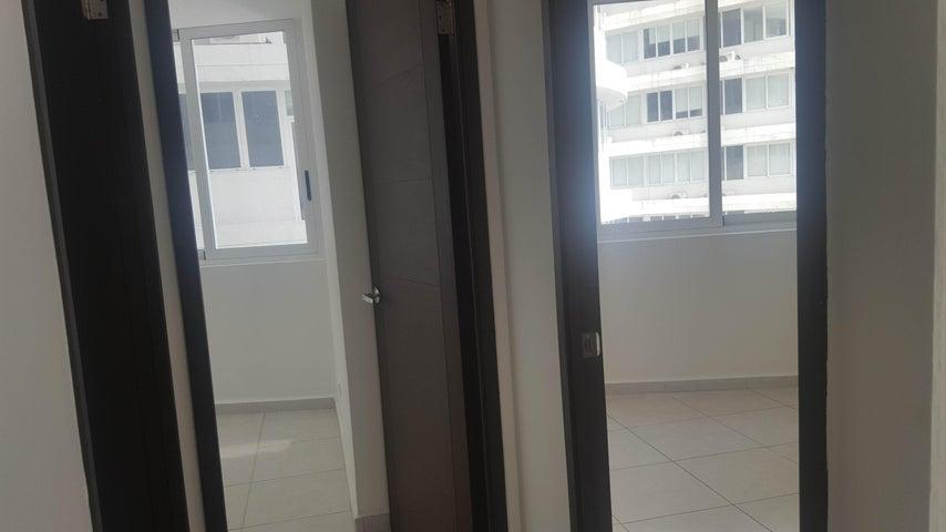 Apartamento Panama>Panama>Avenida Balboa - Venta:200.000 US Dollar - codigo: 20-9478