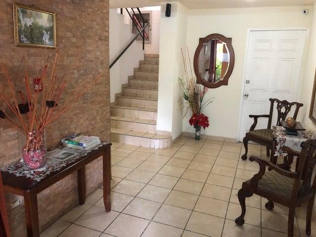 Apartamento Panama>Panama>Parque Lefevre - Alquiler:800 US Dollar - codigo: 20-10157